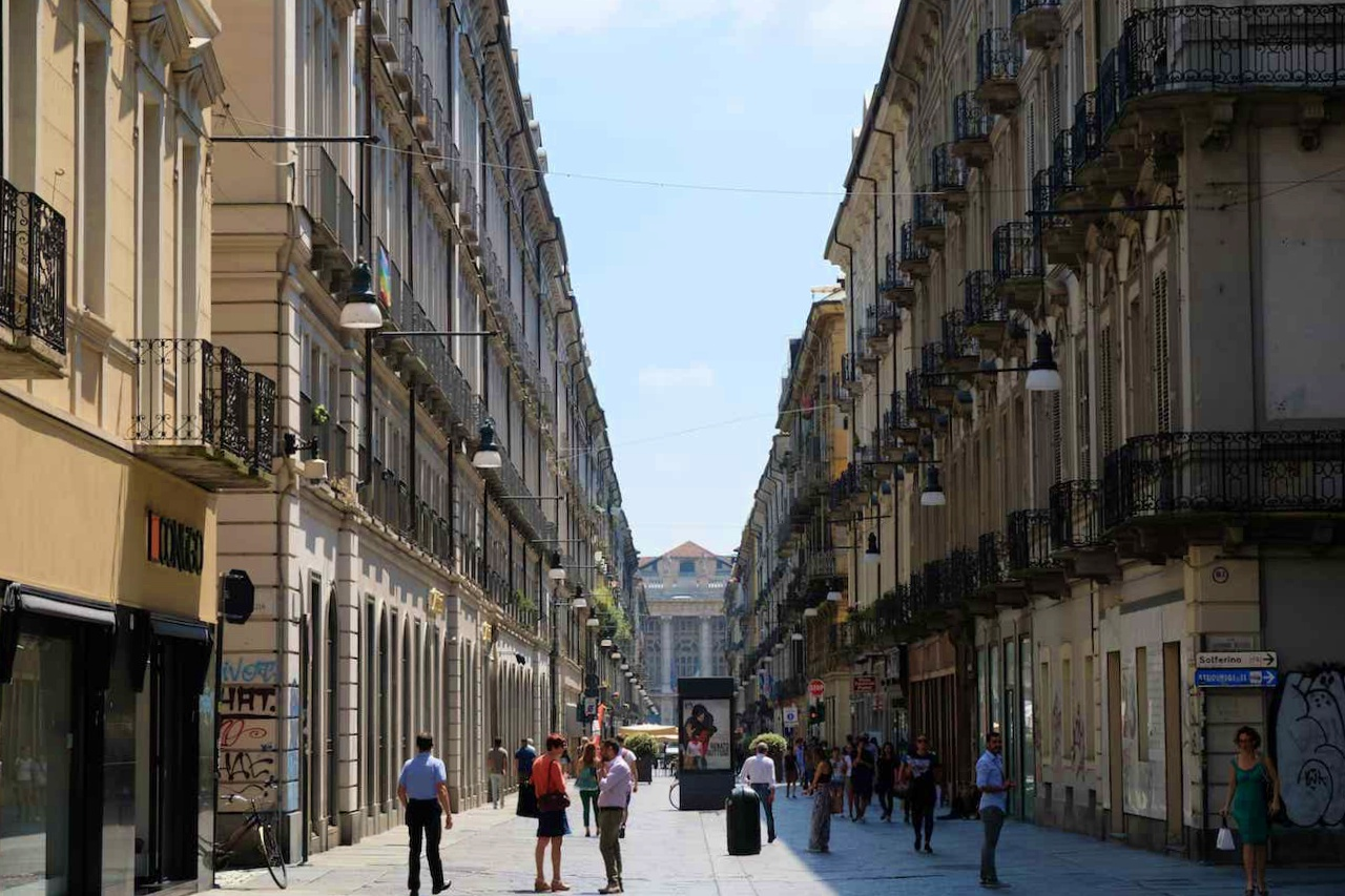 La rue du shopping en Via Garibaldi